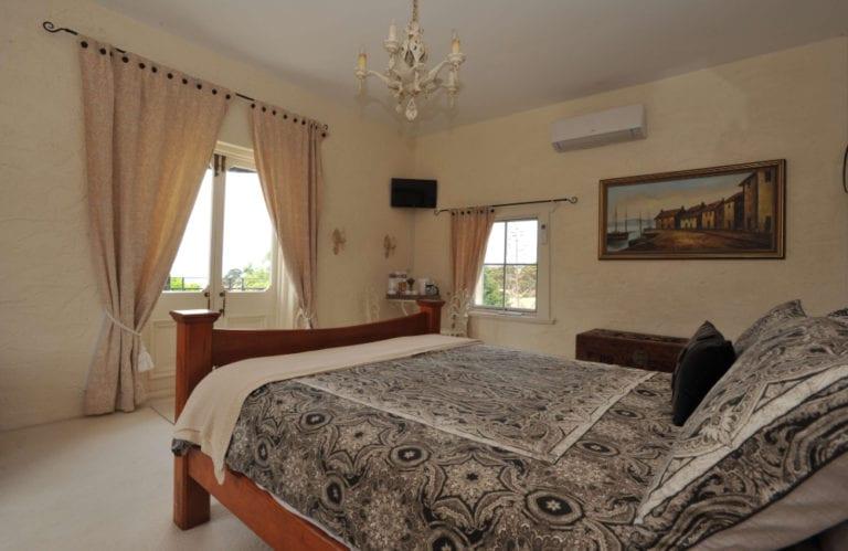 Molly's Run bedroom, Kangaroo Island accommodation, Exceptional Kangaroo Island tours
